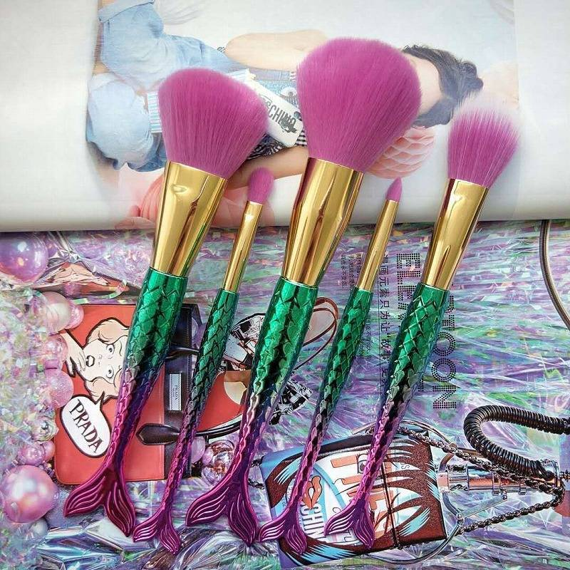 Gradient Ramp Mermaid Makeup Brush Suit